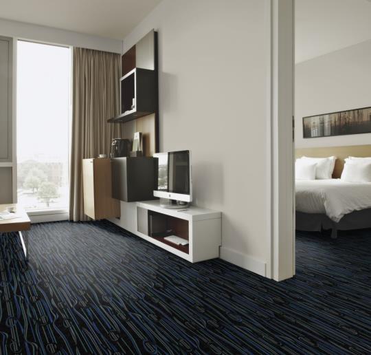siyah desenli rulo halı - otel halısı