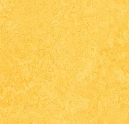 limon sarısı mermer desenli linolyum doğal zemin kaplaması