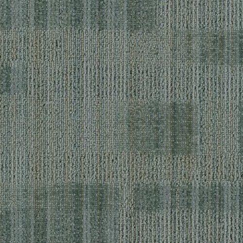 gri desenli çizgili karo halı