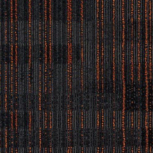turuncu çizgili siyah karo halı