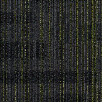 yeşil çizgili siyah karo halı