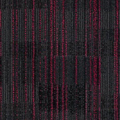 kırmızı çizgili siyah karo halı