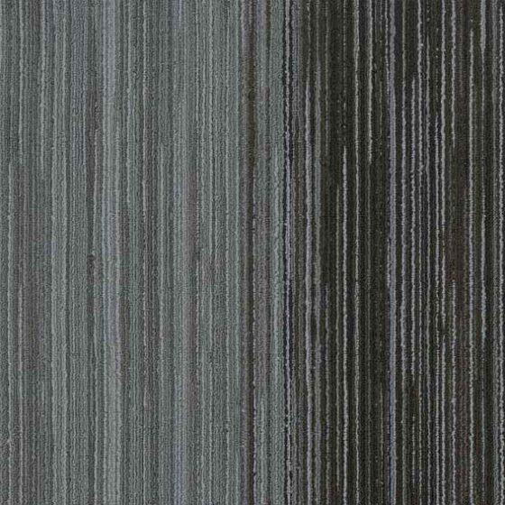 siyah çizgili karo halı